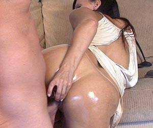 Catalina Cruz ass fucking all oiled up live