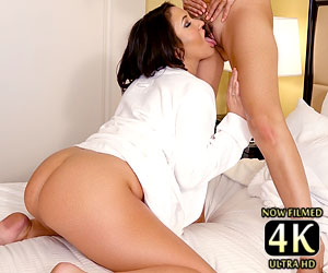 Kylie Kalvetti fucking Catalina Cruz pussy with her tongue
