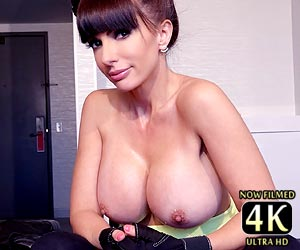 Catalina Cruz masturbates and does a cum countdown with members