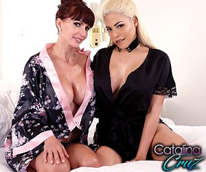Luna Star live lesbian passion with Catalina Cruz as geishas