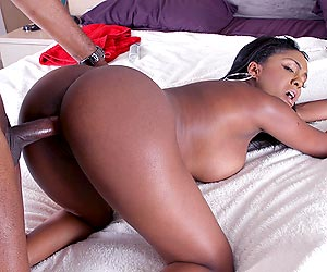 image Ebony masseuse layton benton is banging her customer