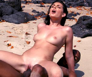 Roxy Panther porn sex on a beach with black stud