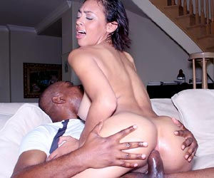 Cherry Hilson anal sex addict who loves it big and black