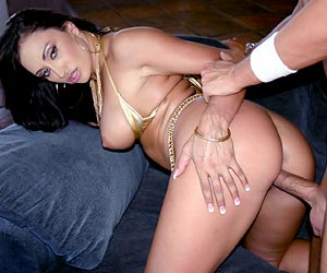 Claudia Valentine sweet pussy getting slammed with dick