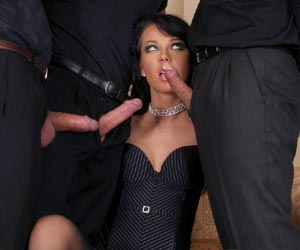 Susie Diamond blowbanged well by 3 European porn studs