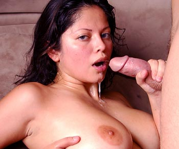 Evie Dellatossa gets a facial and swallows some hot cum