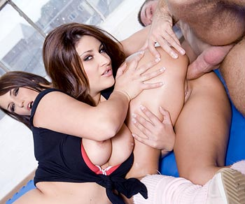 Bellina drilled up the ass during threesome with her besty Roxy Taggart