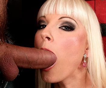 Lena Cova pink pussy fucked very well with a big pole in a bar