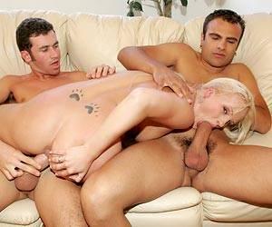 Teen Saana fucking her man and his friend