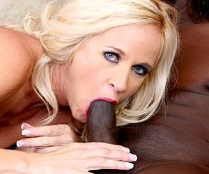Totally Tabitha interracial blowjob video