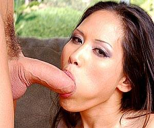 Jessica Bangkok deep throating a huge cock