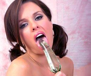 Veronica Avluv wearing stockings masturbating